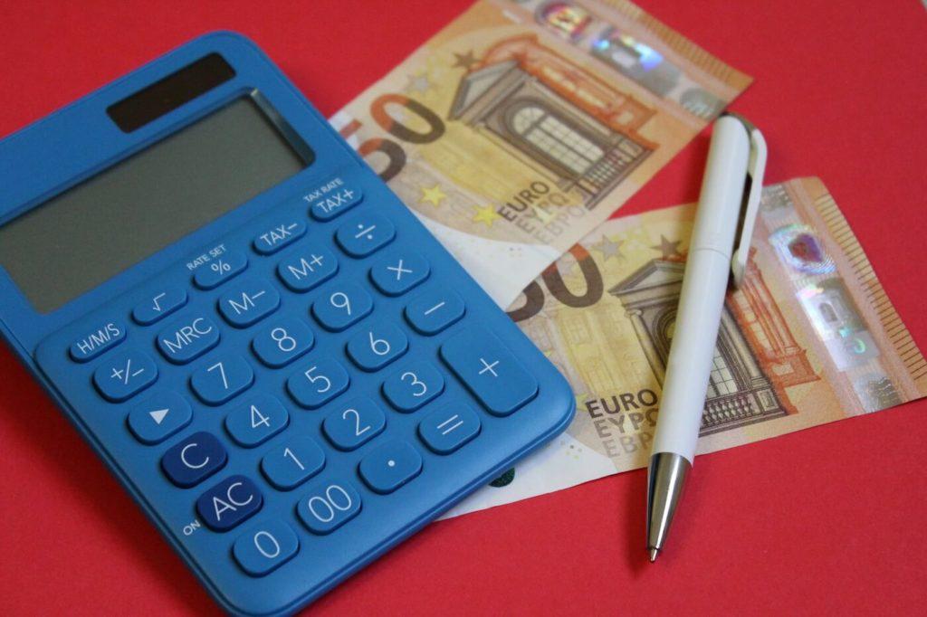 Calcolatrice conti per tariffa oraria compenso freelance