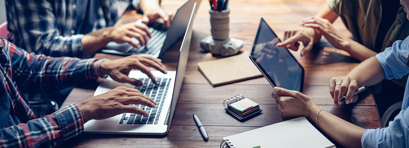 coordinazione progetto freelance team e cliente
